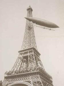 Santos Dumont aux commandes de son dirigeable n°6 : le Brasil, le 19 Octobre 1901.