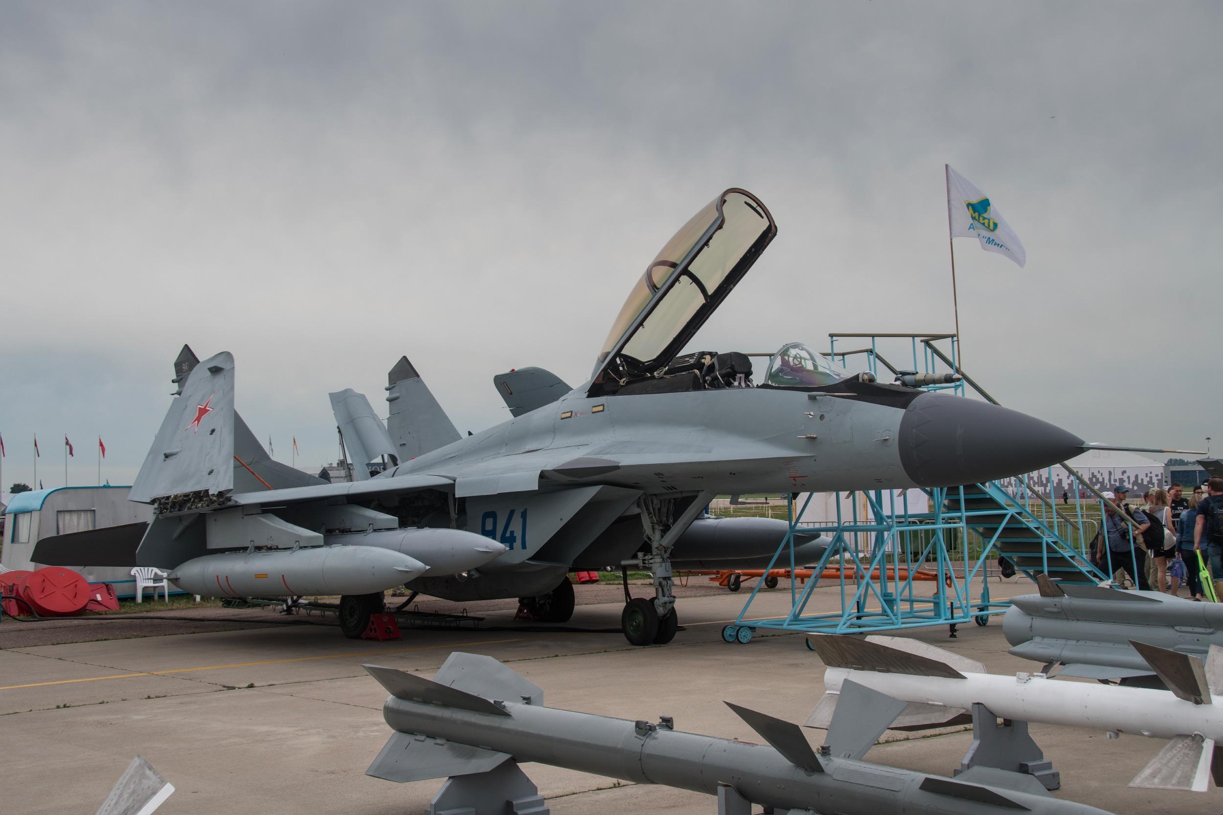 """MiG-29K """"Fulcrium D"""", 941 bleu"""