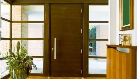 Vchodové hliníkové dveře vám zajistí bezpečnost a teplo domova