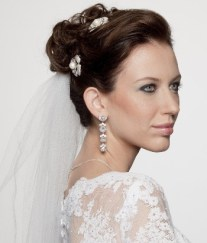 penteados de casamento com flores 15