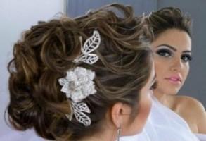 penteados de casamento com flores 21