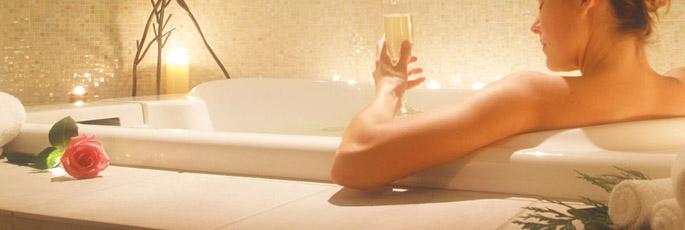 O seu corpo deve estar limpo e sem vestígios de cosméticos ou suor. Um bom banho para começar.