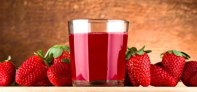 A pectina e outras fibras presentes no morango auxiliam a manter os níveis de glicose estáveis e diminuem o colesterol.