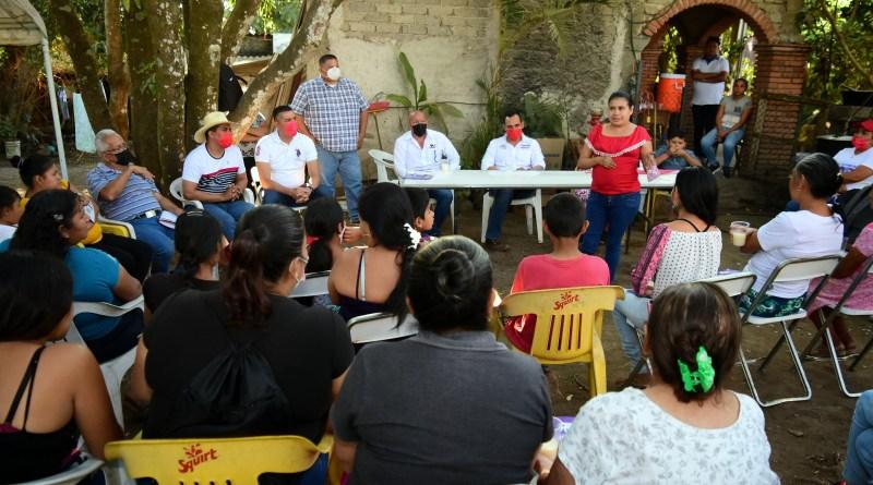 Reunión con madres de familia de la comunidad de La Nogalera (5)