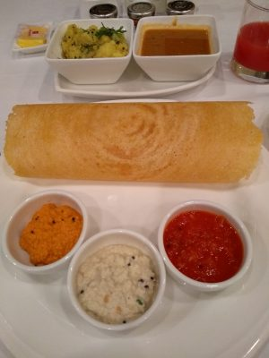 Dosa-panqueca-de-arroz-e-lentilha-recheada
