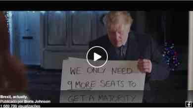 """Photo of """"O Brexit Acontece"""". Boris Johnson faz uma paródia durante a campanha eleitoral e aproveita para mandar farpas a Hugh Grant"""
