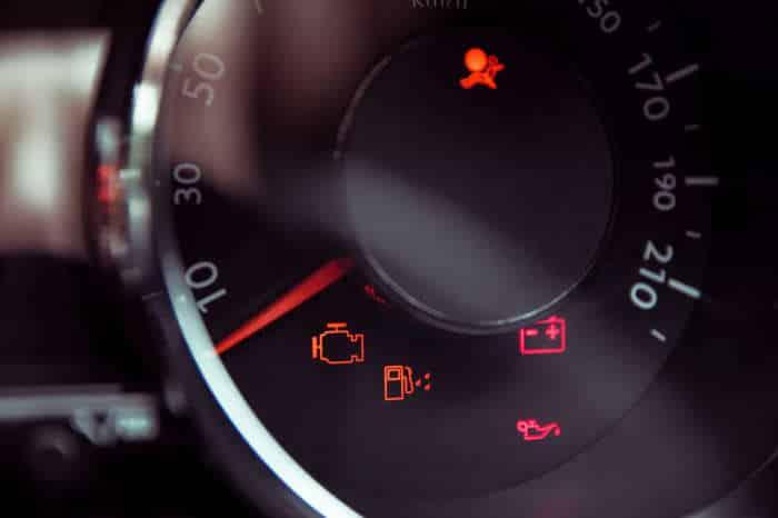 1-29-1 O que significam as luzes de aviso no painel do carro?
