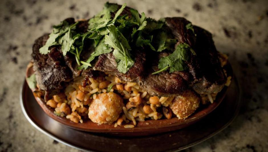 Baião de Dois com bife de carne de Sol do Rancho Nordestino | Comer no Bixiga