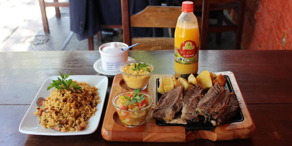 Costela no Bafo servida no Restaurante Opala | Comer no Bixiga