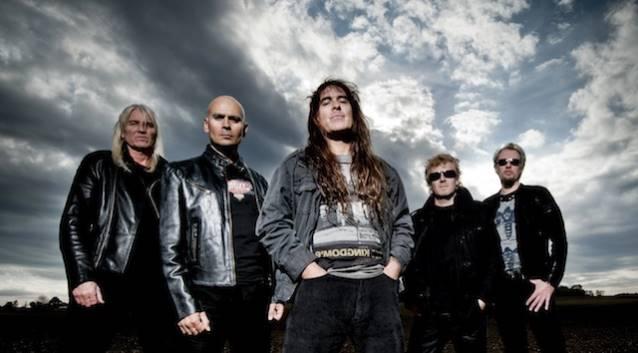 British Lion: projeto paralelo de baixista do Iron Maiden volta à estrada