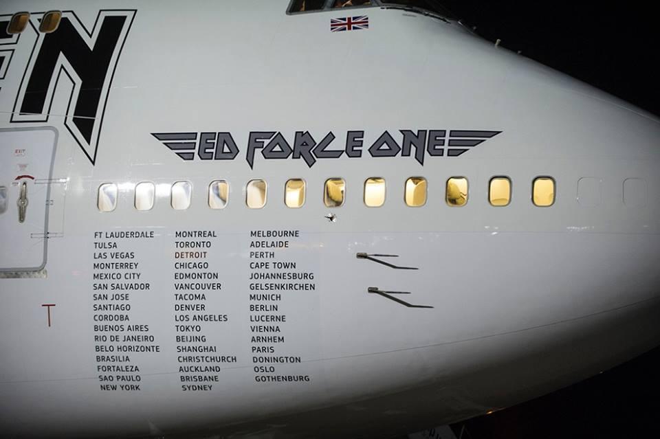 Iron Maiden: banda apresenta avião com cidades brasileiras impressas