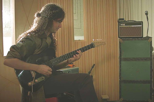 "Laion Roberto: guitarrista interpreta ""Road to Connemara"", de Dave Weckl, em novo videoclipe"