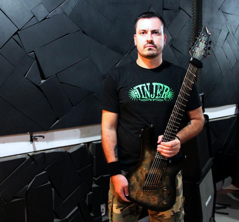 Neuro Ruptura: Anunciando a entrada de novo guitarrista