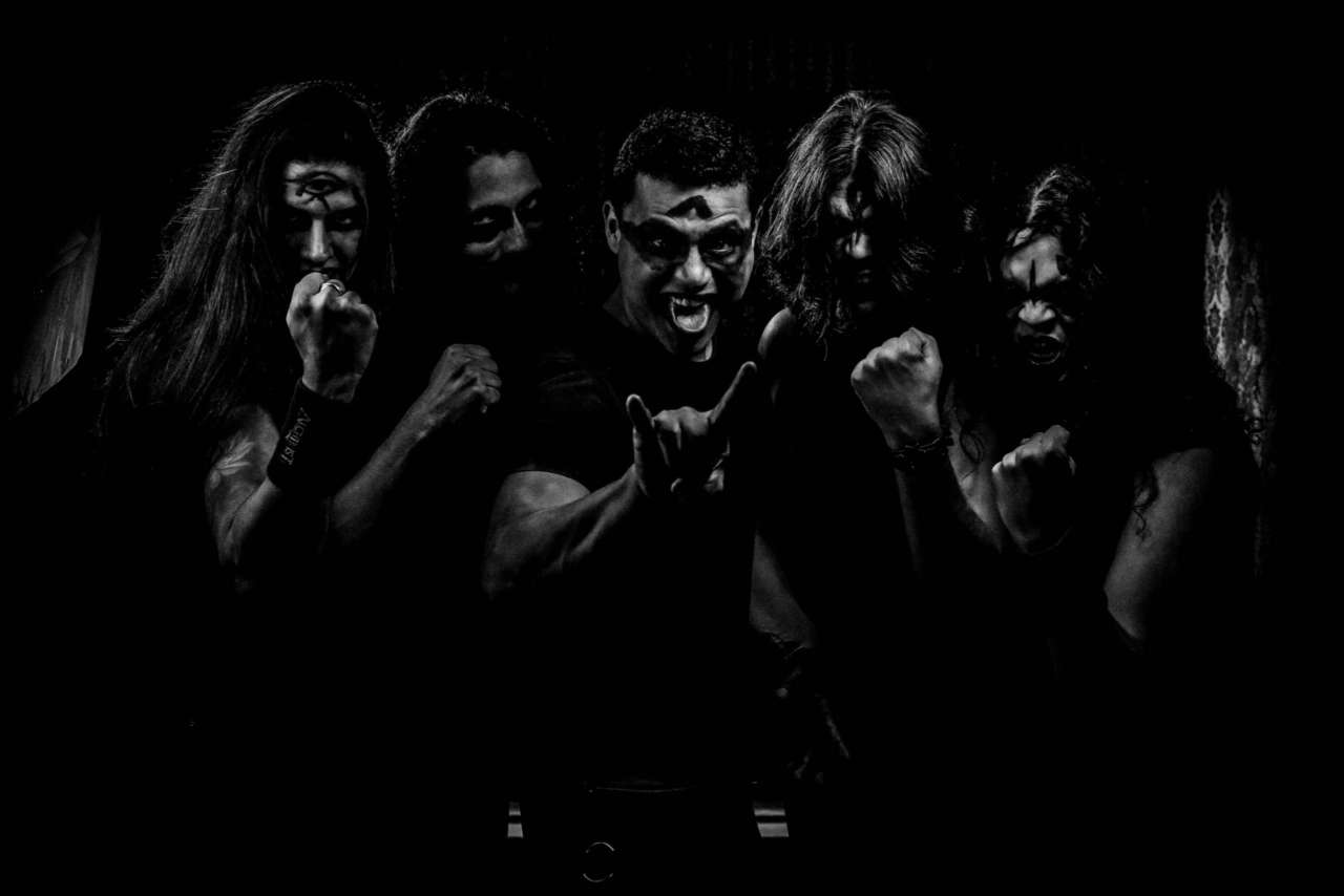 "Alchimist: Confira o making of do vídeo clipe ""Beyond Darkness"""