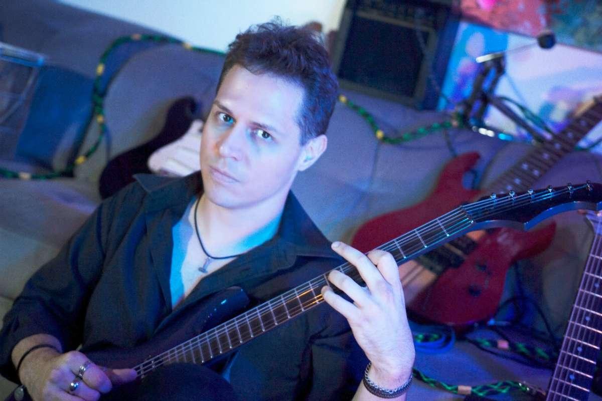 Carlos Lichman: Guitarrista inicia série de Masterclass em seu canal no Youtube