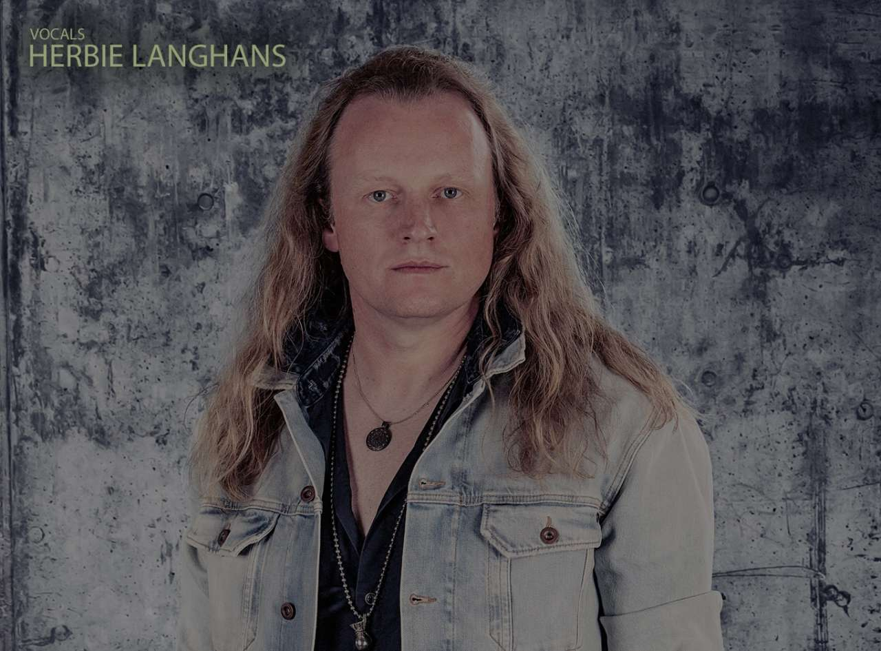 The Lightbringer of Sweden: Promessa do Power Metal sueco lança álbum com vocalista do Avantasia