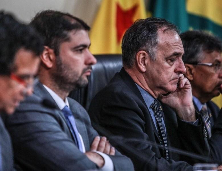 Vetos da discórdia assinados pelo governador e derrubados pela Aleac são promulgados por Nicolau Júnior