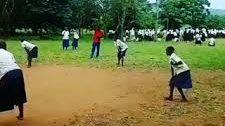 Video:  Rally incrível,  vôlei raiz na África Oriental