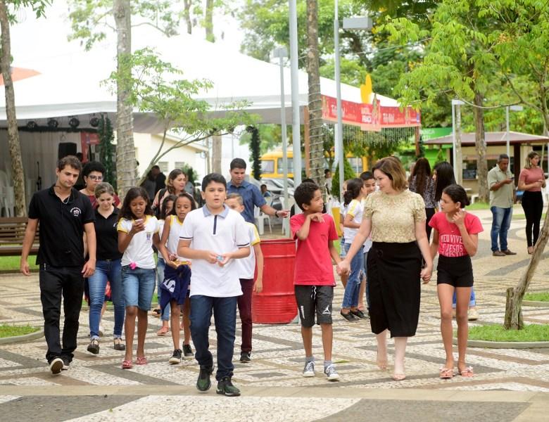 Um dia Com a Prefeita: alunos da Escola Municipal José Potyguara participam do projeto