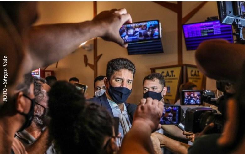 Solidariedade de Gladson com o Amazonas ficou nas manchetes de jornais e não resistiu a 15 dias