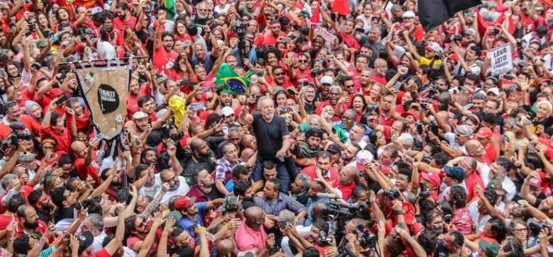 Edson Fachin anula condenações de Lula e ex-presidente volta a ficar elegível