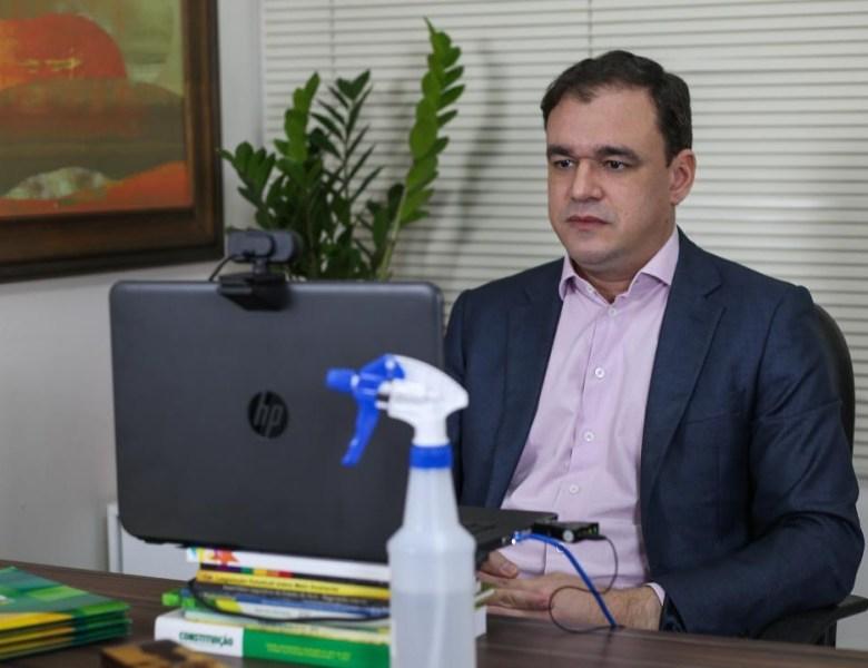 Daniel Zen cobra explicações sobre novo escândalo na Secretaria de Educação