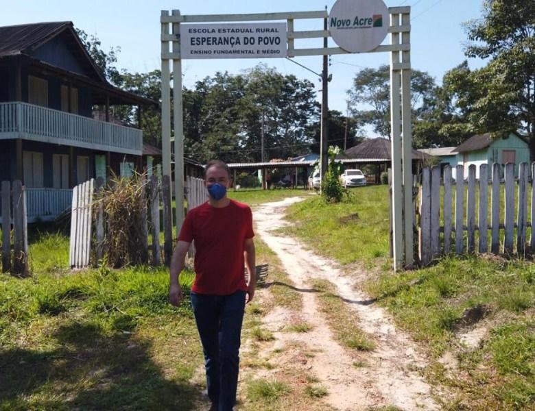 Leo de Brito denuncia abandono e descaso na escola estadual Esperança do Povo no Seringal Cachoeira