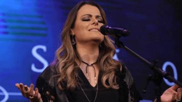 Ana Paula Valadão se surpreende com milagre de criança.