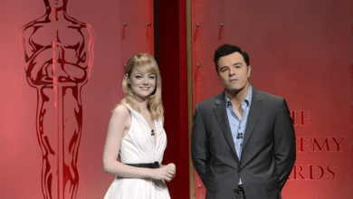 Photo of Oscar 2013 – Seth MacFarlane e Emma Stone