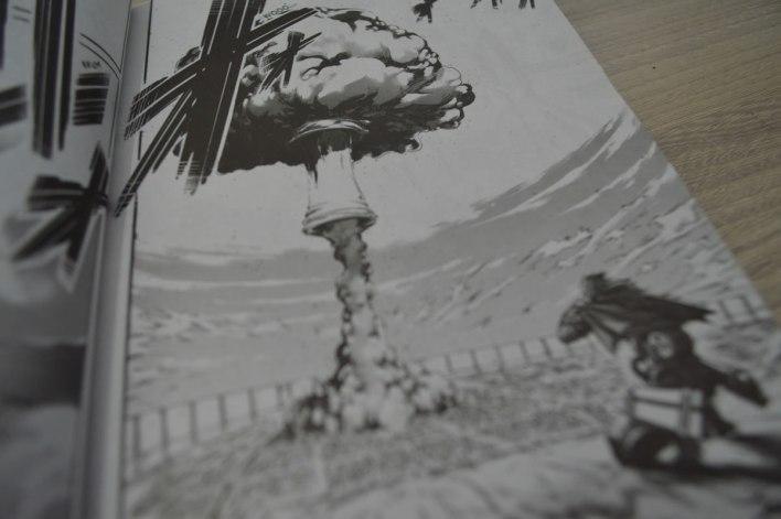 shingeki no kyojin explosão