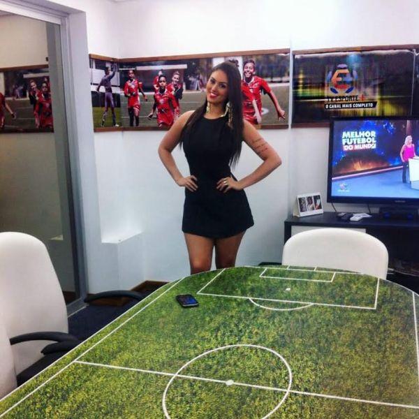 Letícia é apresentadora da TV Esporte + Foto: Divulgação