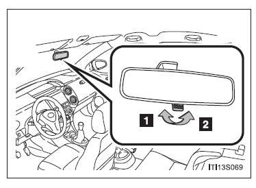 Toyota Etios: Espelho retrovisor interno antiofuscante