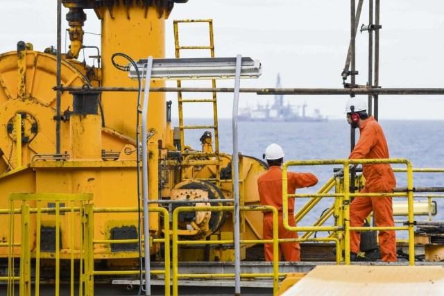 Resultado de imagem para Contratações no setor petrolífero
