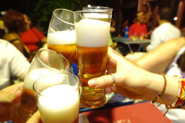 Resultado de imagem para consumo de álcool