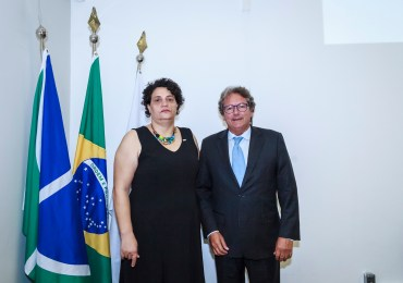 Presidente da Ebserh dá posse à nova superintendente do HUB