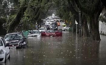 Inundações resultam da incompetência dos poderes públicos em evitá-las