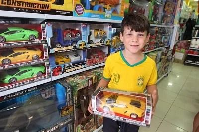 Os cuidados que se deve ter com a compra de brinquedos para Crianças