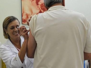 Campanha de vacinação contra gripe começa hoje em todo o país