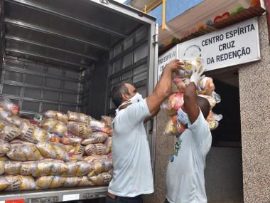 Entidades sociais recebem doações da Prefeitura em Periperi