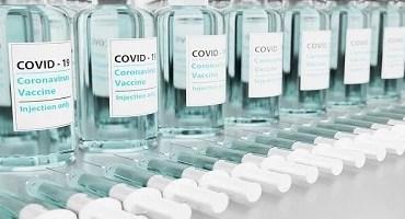 Aprovado texto-base de projeto que permite empresas comprarem vacinas