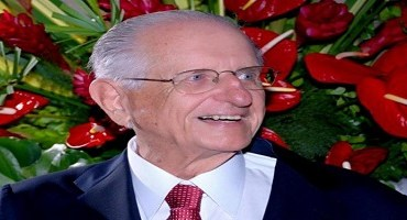 Roberto Santos, Varão de Plutarco
