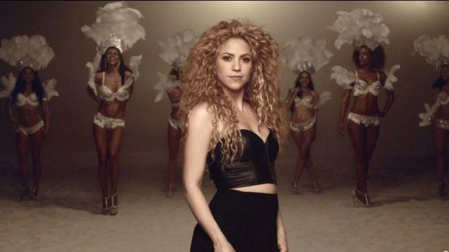 Vote em Shakira na enquete da Billboard sobre a melhor canção de Copa do Mundo