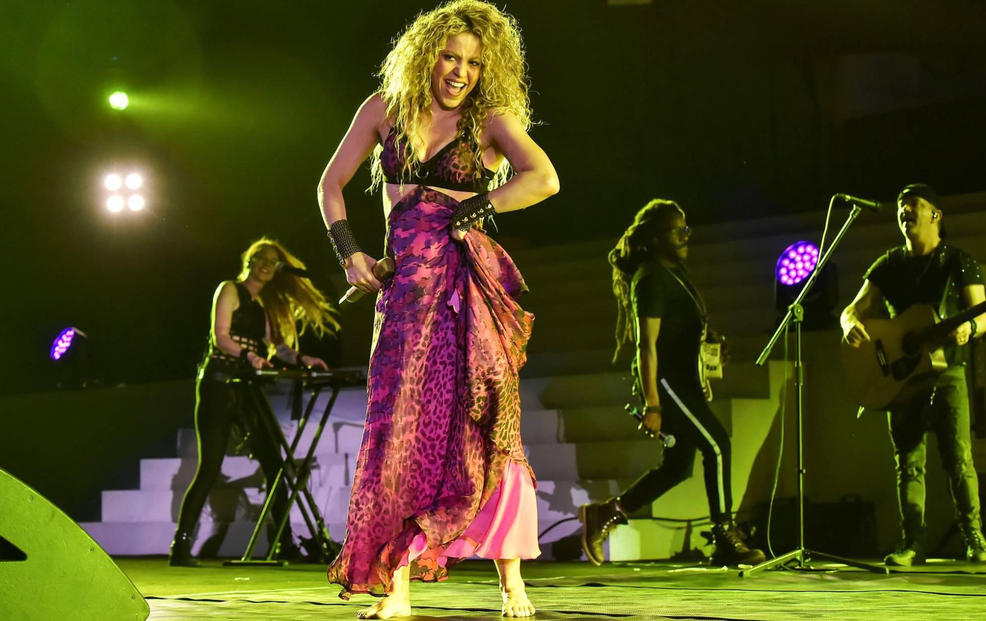 Site oficial dedicado a cantora Shakira no Brasil.