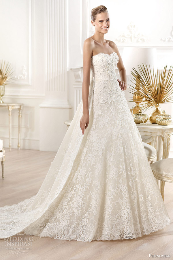 15-pronovias-wedding-dresses-2014-atelier-yessen-strapless-lace-ball-gown