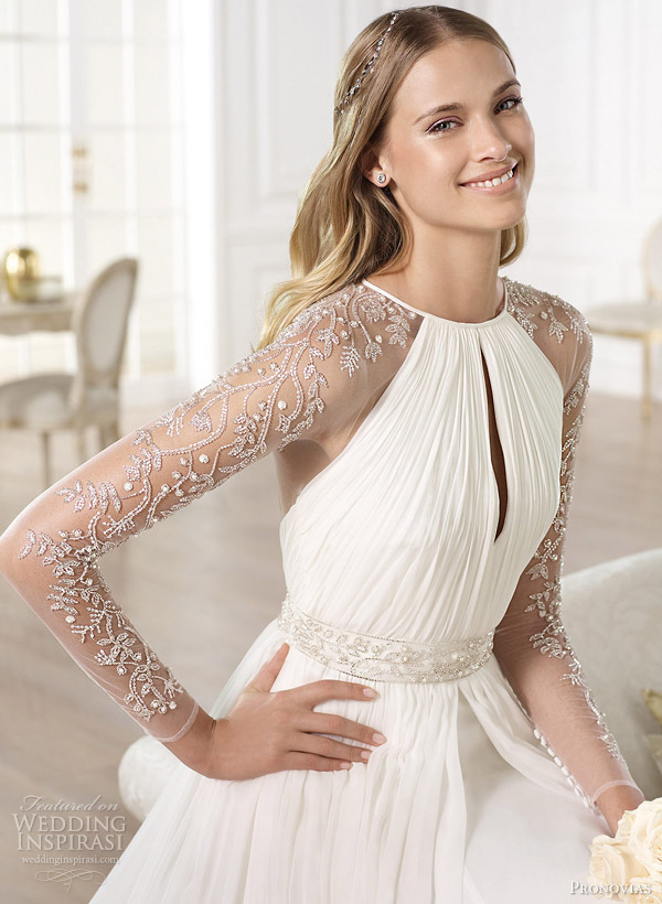 22b-pronovias-yajaida-wedding-dress-close-up