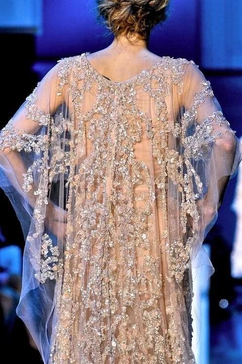 vestido de noiva capa rendada