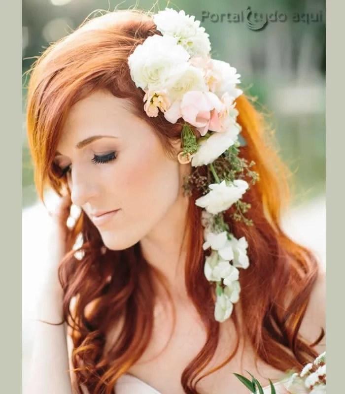 penteado-para-noiva-cabelo-semi-preso-com-flores