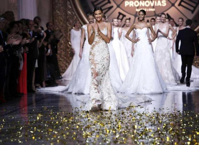 vestidos de noiva  Pronovias Barcelona Bridal Fashion Week 2016