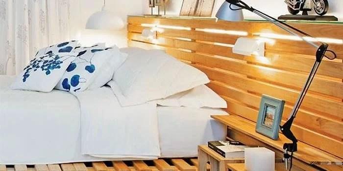 cabeceira de cama usando pallets