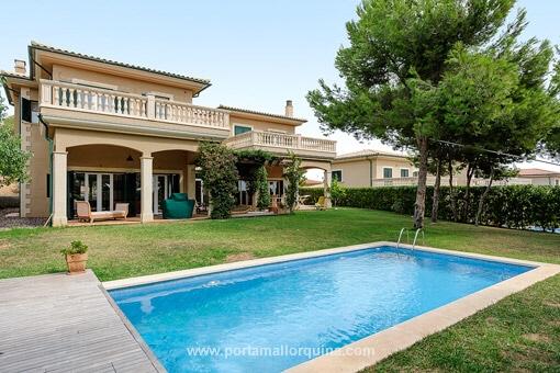 Villa Mit Garten Und Pool Siteminsk Info